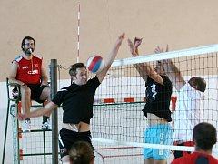 Burčák Cák cup vyhráli volejbalisté STS Chvojkovice Brod.