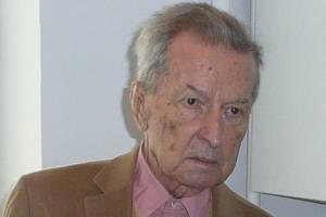 Karel Kašpárek, posluchačům známý pod jménem Karel Lambnerský, vedl československé vysílání Svobodné Evropy.
