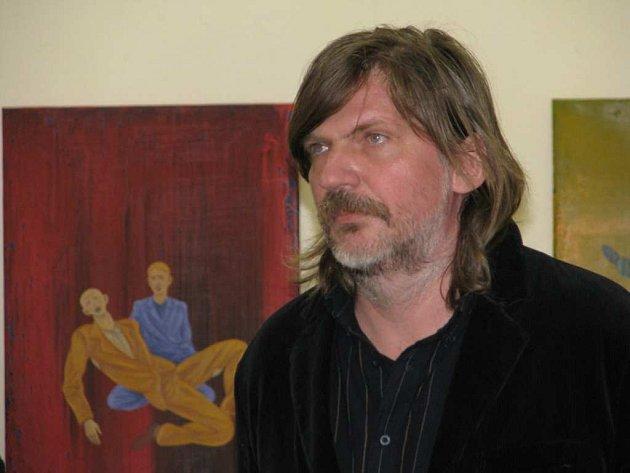 Agresi s krásou namíchal Tomáš Císařovský do své výstavy Mezi námi muži.