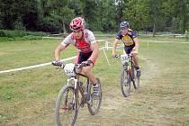 Michal Vyroubal (vpravo) nakonec dojel v kategorii juniorů na sedmém místě.