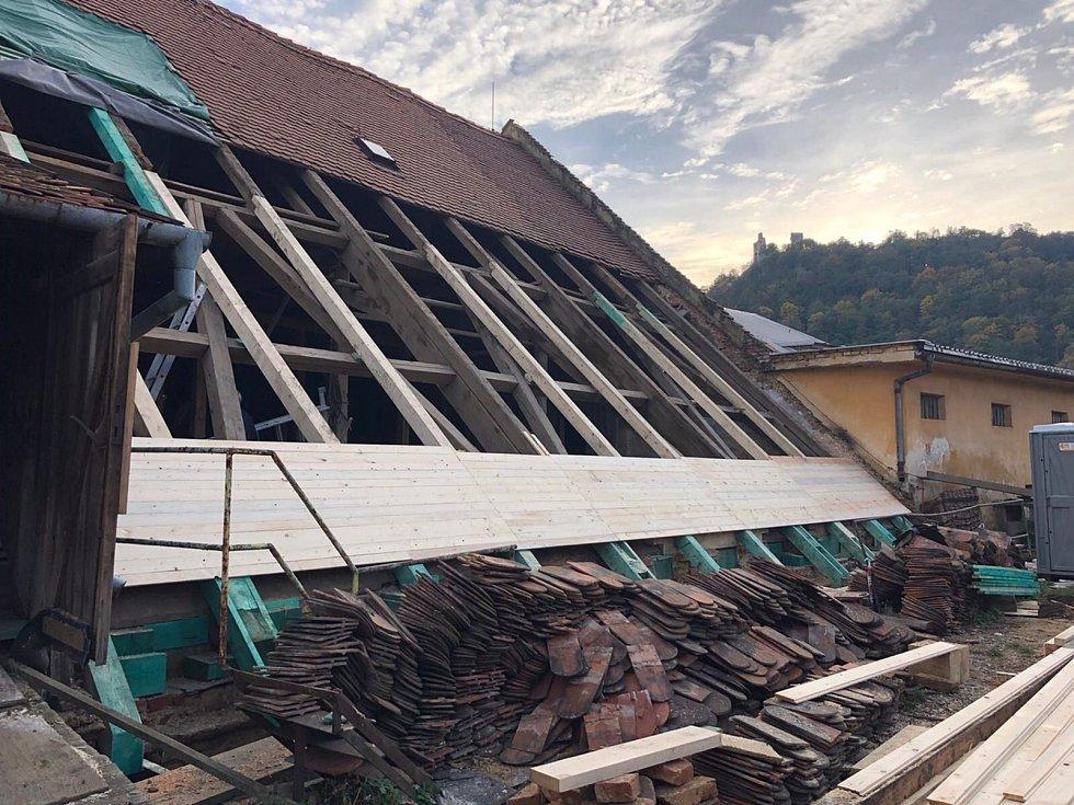 Ve druhém největším městě na Blanensku se bude po sedmdesáti letech opět vařit pivo.  Přesněji Boskovské pivo. Podnikatel Luděk Řehoř totiž pokračuje v obnově zchátralé budovy někdejšího Panského pivovaru.