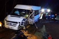 Srážka dodávky s osobním autem mezi obcemi Šebrov-Kateřina a Olešná si vyžádala čtyři zraněné.