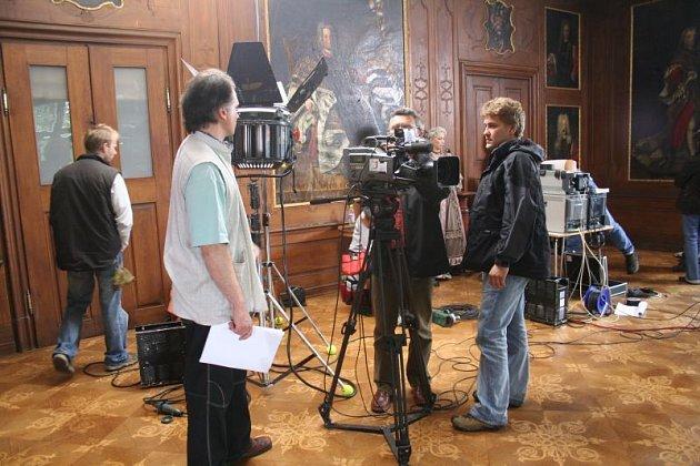 Televizní štáb ČT na zámku v Kunštátě