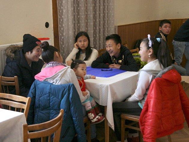 Do blanenského katolického domu dorazil zhruba stejný počet mongolských i českých dětí.