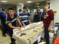 Letovičtí středoškoláci poměřili v Praze své stavařské dovednosti. Mezi šestatřiceti týmy z celé republiky se umístili jako čtvrtí a osmí.