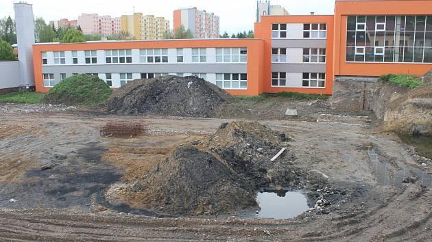 Opuštěné staveniště sportovní haly v Boskovicích.