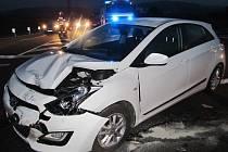 Nehoda dvou osobních aut zpomalila provoz na silnici I/43. Ke střetu došlo v neděli krátce po šesté večer na křižovatce pod Sebranicemi ve směru na Svitavy.