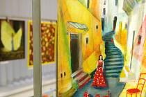 Návštěvníci Městské knihovny Blansko si mohou v těchto dnech prohlédnout výstavu obrazů dvou výtvarnic. Zdeňky Knechtové a Sylvie Vašinové. Výstava má název Symbióza.