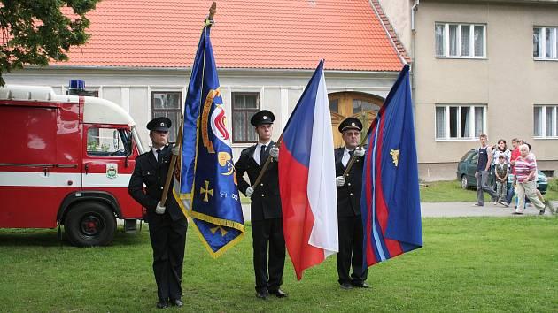 Prapory borotínských hasičů.