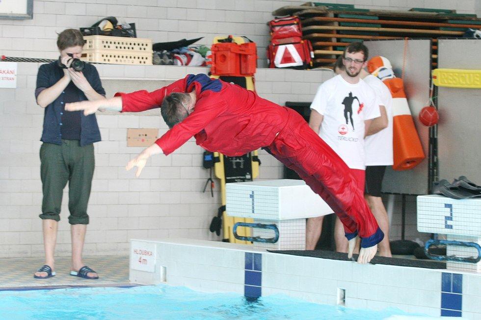 Blanenskou dvěstěpadesátku, závod vodních záchranářů, oslabila chřipka. A zranění.