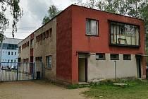 Ubytovna na blanenském Sportovním ostrově Ludvíka Daňka končí. Budou z ní klubovny a kanceláře.