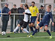 Ve 12. kole divizní skupiny D vyhráli fotbalisté FK Blansko (modré dresy) v Havlíčkově Brodu 2:0.