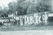 Stejně tak jako na mnoha místech v republice i na Blanensku se s příchodem okupačních vojsk strhla vlna nevole. Ulice zaplavily plakáty, lidé podepisovali petice.