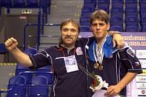Blanenský trenér Ladislav Musil se raduje z úspěchu Miloše Stloukala na letošním mistrovství světa dorostenců v Košicích.
