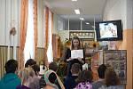 Ivana Havelková v pátek při besedě s dětmi v boskovické knihovně.