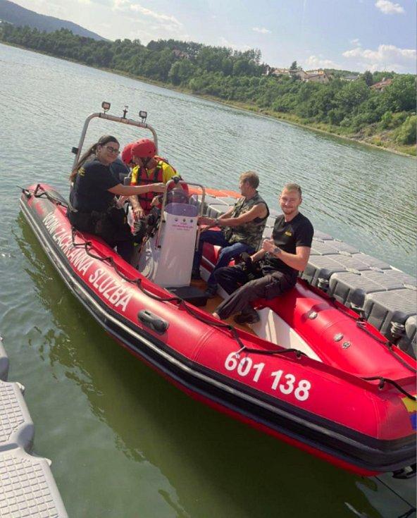 Člun vodní záchranné služby.