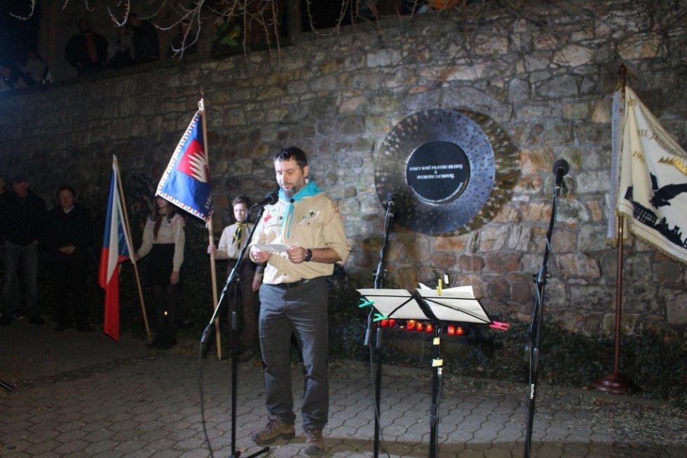 V Boskovicích se uskutečnilo vzpomínkové setkání u památníku obětem totalitních režimů.