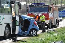 V sobotu dopoledne se u Bořitova čelně srazilo osobní auto s autobusem.