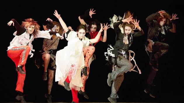 Taneční představení Tancini clubu z roku 2011.