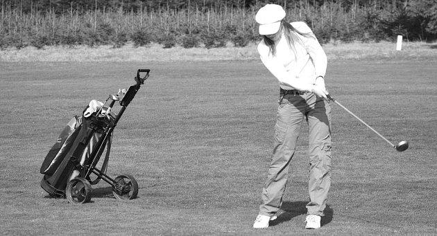 Na golfovém hřišti v Kořenci od dubna začínají trénovat i děti a junioři.