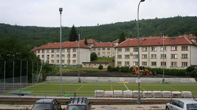 Opravy sportovního areálu v Adamově.