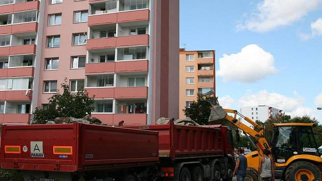 Adamovského sídliště na Ptačině v Družstevní ulici. Ilustrační foto.