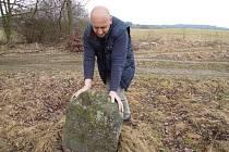 V tomto díle se Přibyl vypravil za kříži a kameny na Blanensko, Klatovsko a Jindřichohradecko.