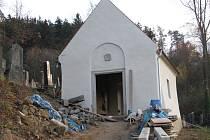 Opravy márnice na židovském hřbitově v Boskovicích míří do finále.