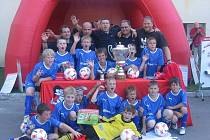 Přípravka FK Apos Blansko vyhrála turnaj v Hodoníně a postupuje do celorepublikového finále.