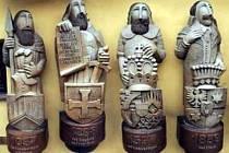 Zdeněk Lindovský za svého působení v Kunštátě na Moravě vychoval celou řadu keramiků, ze kterých jsou dnes vynikající mistři hrnčířského umění v soukromých ateliérech.
