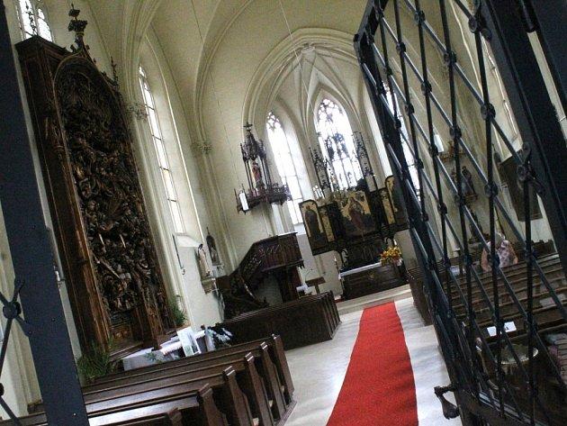 Část Světelského oltáře z kostela svaté Barbory v Adamově poputuje v listopadu na výstavu do Frankfurtu a Vídně. Na půl roku.