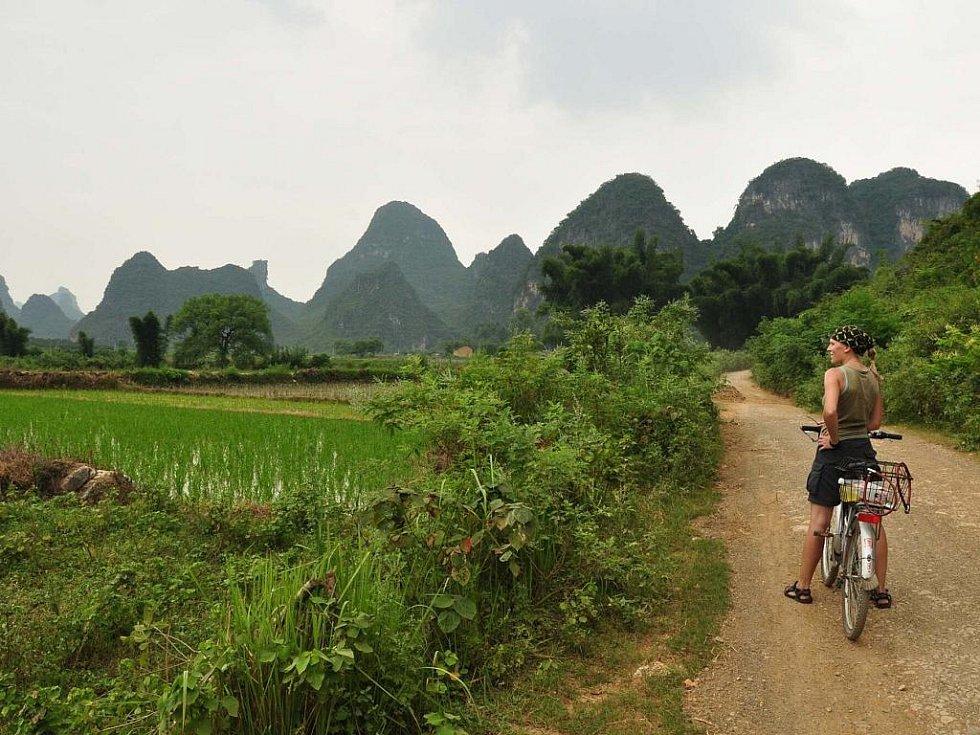 výlet na kolech mezi vesničkami jižní Číny (po silnicích 2. třídy)