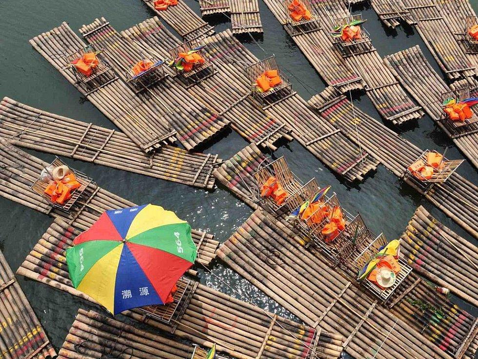 bambusové vory na Dračí řece