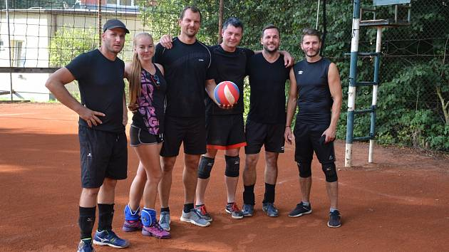 Volejbalový turnaj v Ostrově.
