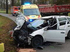 Mezi Jedovnicemi a Lažánkami se srazila dvě auta.