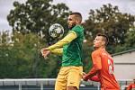 Fotbalisté Ráječka (v zeleném) sahali v Líšni po bodech, nemají ani jeden.