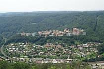 Moravský kras láká návštěvníky krásnou přírodou, jako stvořenou pro letní putování.