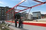 Blanenští úředníci začali přebírat stavbu parku. Na základech hotelu Dukla našli vady a nedodělky.