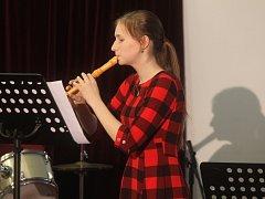 Žáci Soukromé základní umělecké školy Blansko při jednom z absolventských koncertů.