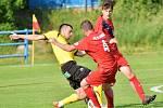V utkání Moravskoslezské divize D porazili fotbalisté FK Blansko (červené dresy) tým FC Strání 4:2.