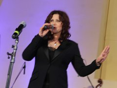 V letovické jízdárně zpívaly v úterý večer české pěvecké hvězdy.
