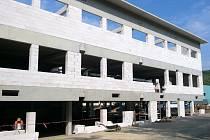 U Novibry v Boskovicích vzniká nová hala.