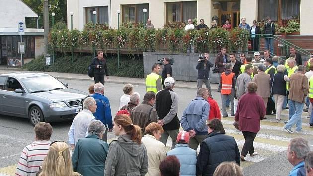Protestní akce za stavbu silnice R43. Ilustrační fotografie.