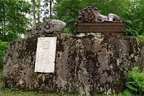 S litinovou plastikou Rauchova Spícího lva, kterou vyrobili slévači v Blansku, se můžeme v České republice setkat na dvou místech. Na snímku je socha, která stojí v estonské Kärstně.