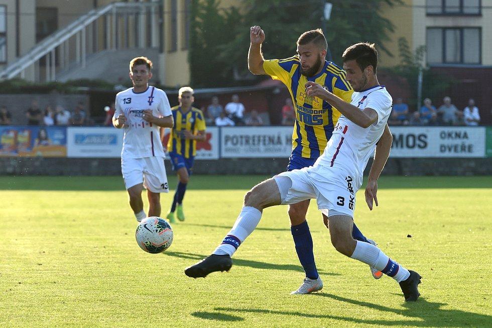 12.9.2020 - domácí SK Líšeň v bílém (Michal Bednář) proti FK Varnsdorf