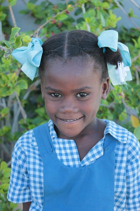 Školy z Blanenska pomáhají v projektu Adopce na dálku. Na výuku chudých děti vydělávají třeba sběrem papíru.