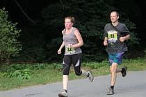 Prvního ročníku běžeckého závodu Desítka Moravským krasem se zúčastnilo skoro sto lidí.