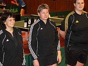 V utkání první ligy prohrály stolní tenistky GMC Blansko (černé dresy) v Brně s Moravskou Slavii 3:7.
