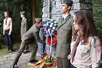 Součástí vzpomínky na sedmdesáté výročí konce druhé světové války v Letovicích bylo i vystoupení mažoretek nebo lampionový průvod.