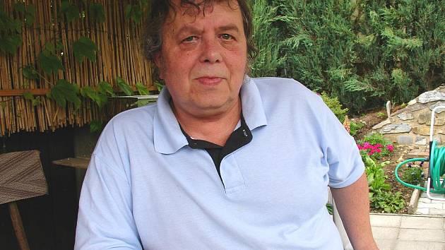 Ve čtvrtek 7. ledna 2010 zemřel rozhlasový redaktor Jan Halas, syn básníka Františka Halase.